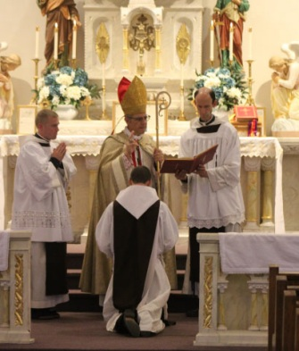 Brat Mary Alexius CMRI, składa pierwsze śluby